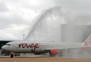 Air Canada Rouge launches non-stop Gatwick-Vancouver service