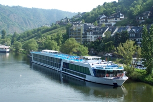 Exclusive golf river cruise packages from AmaWaterways
