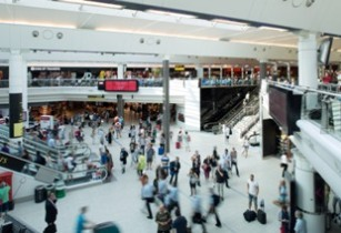 Gatwick marks busiest day with 2016's need-to-know holiday phrases
