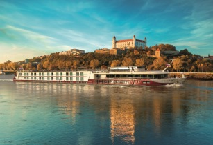 Titan launches 2017 river cruise preview brochure