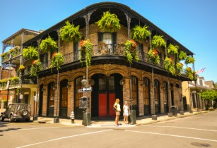 Tauck offers behind the scenes access