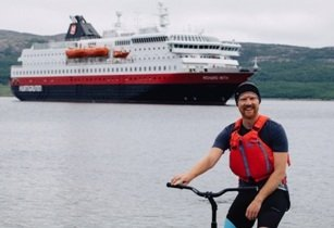 Hurtigruten & Visit Norway partner with explorer in World Record attempt