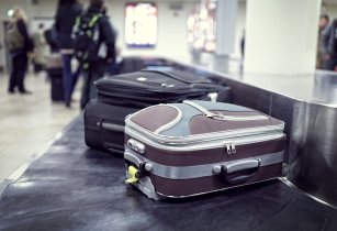 AirPortr teams with American Airlines to offer doorstep luggage check-in & delivery service